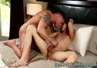 muscly pornstar tugs twink