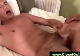 hunk takes a big cumload on his chest