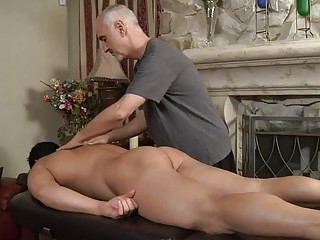 mature homo hunk sucks younger hard dick on