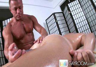 gayroom tissue massage