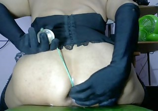 hottie puts some big beads in her butt