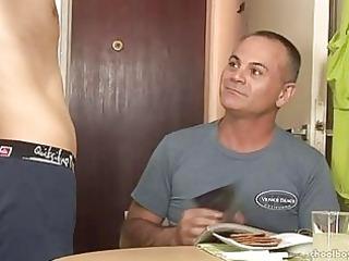 mature guy seduces a twink to homo sex
