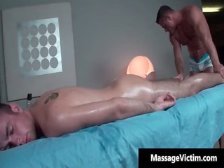 hot and horny man gets the massage homosexual porn